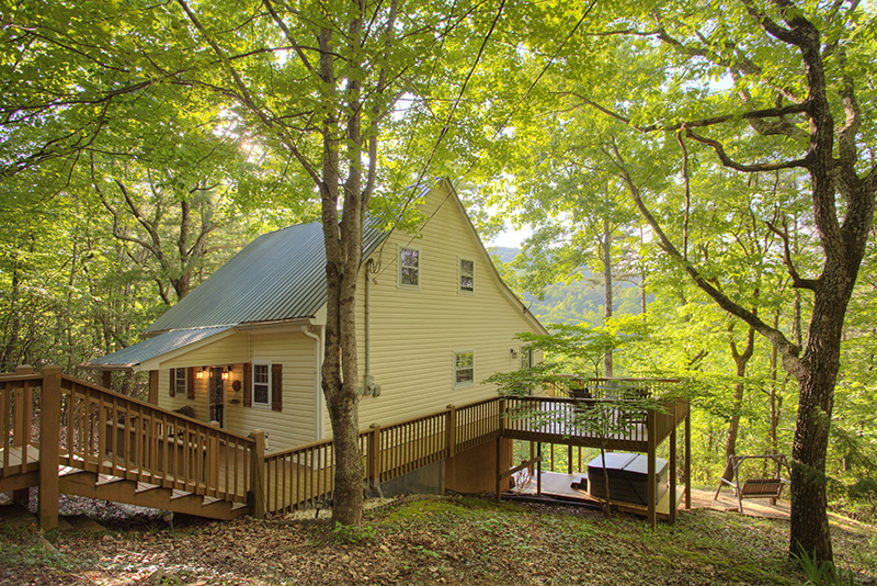 The Retreat, a beautiful 1 br with Mount Yonah views