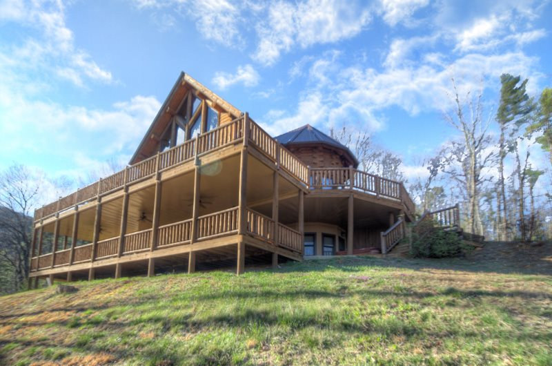 3 bdr luxury log cabin vacation rental near helen and for Luxury pet friendly cabins in north georgia
